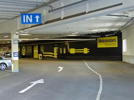 Bilverkstan Mekonomen i Shoppingcentrets P-Hus, öppen även på lördag.