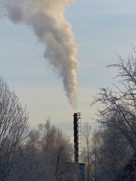 Pannorna i fjärrvärmecentralen jobbar för att ge värme till många Töcksforsbor.