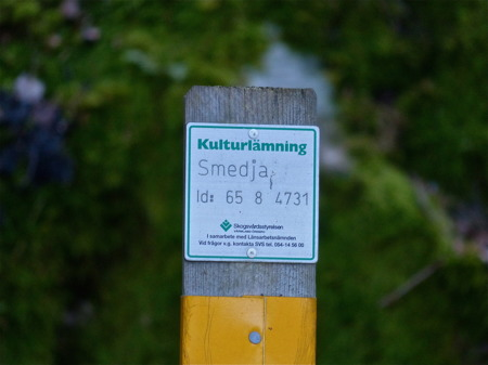 Bevis för att det funnits en smedja vid Sandviksvägen, strax norr om campingen.