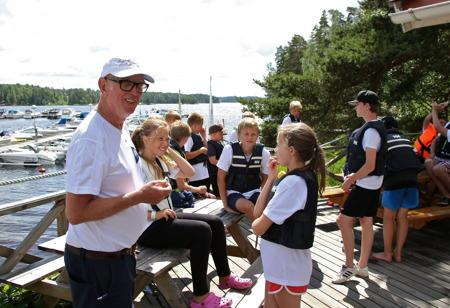 Göran Nilsson - ledare av Båtklubben Rävarnas seglarskola för 10:e året, denna gång i samverkan med Markus Axelsson.