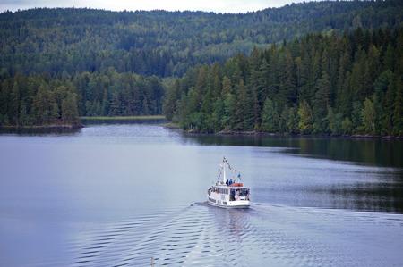 M/S Storholmen från Bengtsfors trafikerade sjön Töck i samband med Kanalfesten 2015.