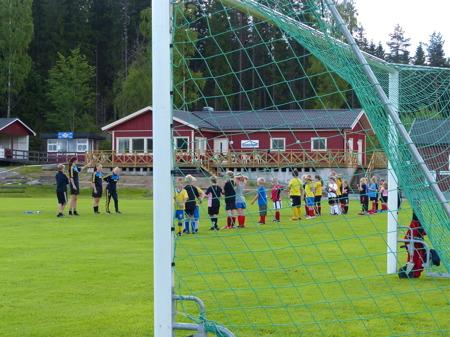 Töcksfors IF:s fotbollsskola, på fotbollsarenan Hagavallen.