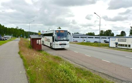 Flixbus Stockholm - Oslo - Stockholm använder hållplatserna vid E18, ca 1 km från Töcksfors centrum i riktning mot Årjäng, för av- och påstigning - klicka på bilden för att se tidtabellen.
