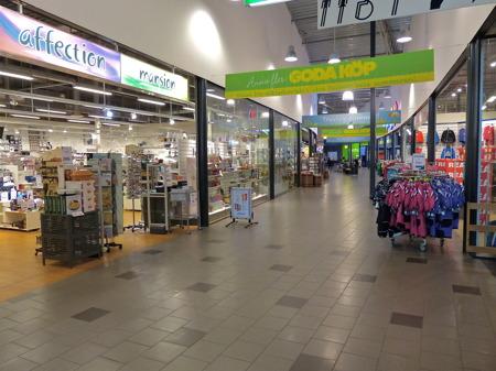 Töcksfors Shoppingcenter vaknar till liv.