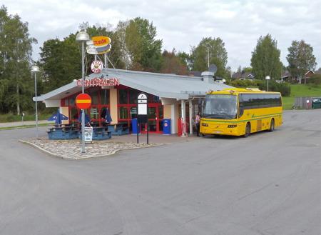 Bussen till Karlstad skall snart avgå, via Årjäng.