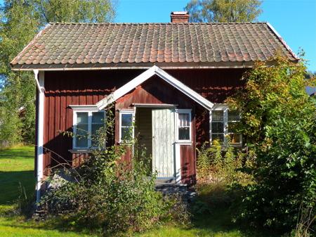 Evert Borgelins gamla stuga på Hyttevägen förfaller.