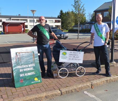 Även Miljöpartiet de gröna valde att slutspurta i Töcksfors. Det är trevligt med politiska partier som bryr sig om Töcksfors.