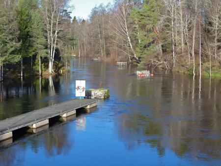 Den höga vattennivån i Töck verkar ha kulminerat.