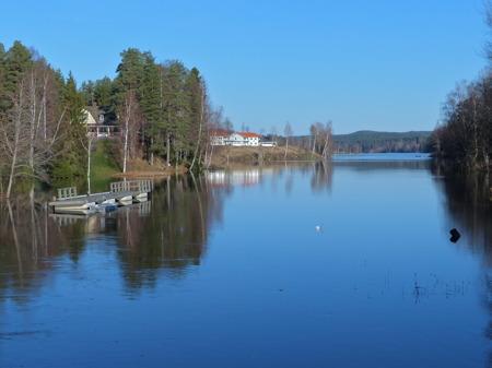 Sjön Töck med ovanligt hög vattennivå.