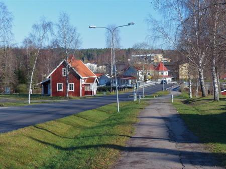 Morgonpromenaden är snart avklarad och jag är tillbaka i Töcksfors centrum.