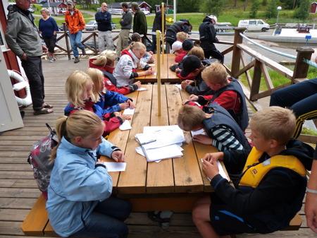 Fredagens gren i veckans femkamp var att skriva ner så många termer och regler för båtliv som man kunde komma ihåg.