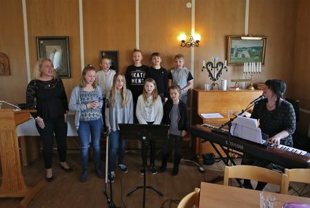 Katarina Patriksson Bråthen, Holy Kidz och Mathilda Röjdemo stod för underhållningen.
