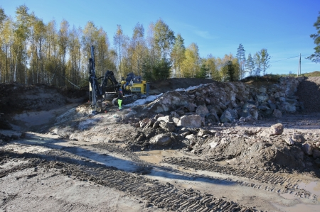 5 oktober 2017 - Kompletterande sprängning vid området som skall bli nya parkeringen.