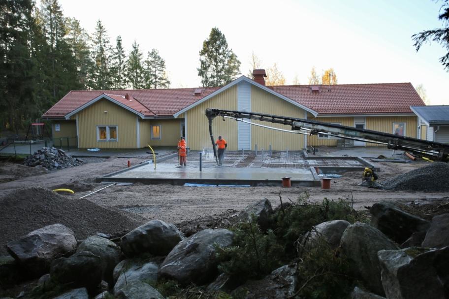 18 oktober 2017 - Gjutning av grundplattan till nya avdelningen vid förskolan Junibacken.