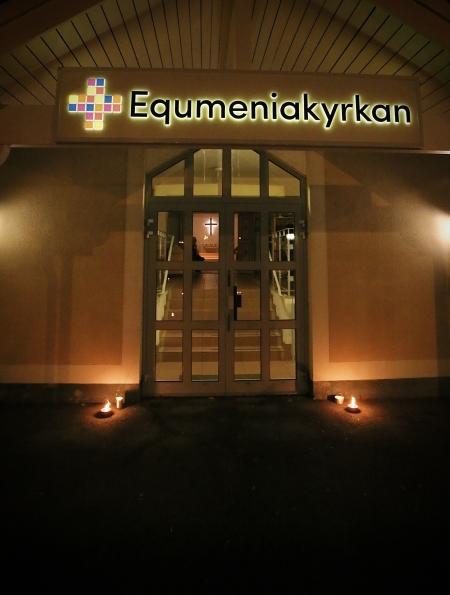 Equmeniakyrkan välkomnade alla att sitta ner för en rofylld stund.