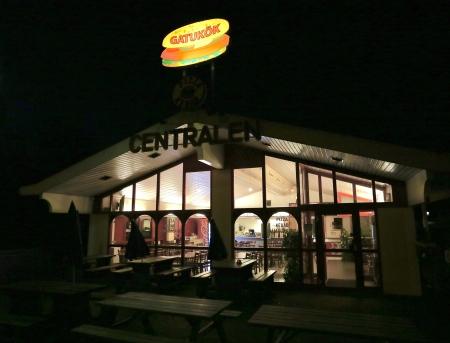 Centralens Gatukök och Pizzarestaurang.