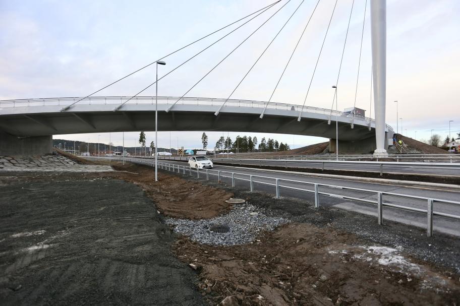 9 december 2017 - E18 Riksgränsen - Örje och bron Norgesporten är högtidligen öppnade.