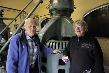 Per Nilsson och Sven Robertsson från Fornminnes-föreningen Nordmarksstugan besökte den gamla kraftstationen när det var öppet hus.