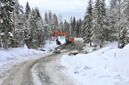 20 februari 2018 - Vägen anpassas för kommande transporter.