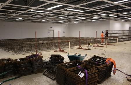 13 mars 2018 - I gamla ÖB-lokalen på Älverud tillverkas armeringskonstruktioner till utbyggnaden av shoppingcentret.