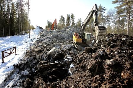 14 mars  2018 - Här byggs anläggningsväg från Kölen sportcenter söderut till Högås vindkraftspark.