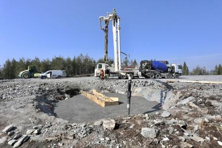 20 april 2018 - Gjutning av bottenplattan till fundamentet för vindkraftverk 6.