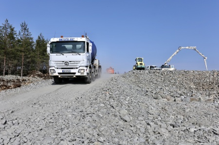 20 april 2018 - Dags att hämta mer betong.