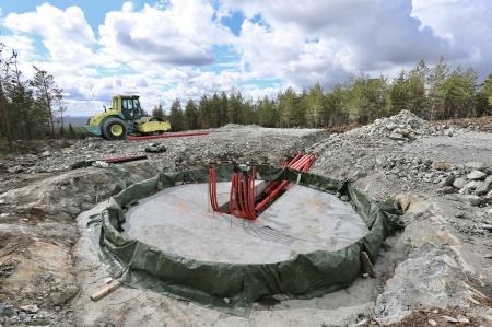 27 april 2018 - Byggnation av fundament för vindkraftverk 6, på toppen av Joarknatten.