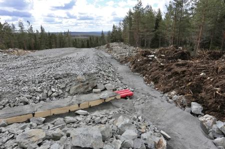 27 april 2018 - Kabelväg söderut från toppen av Joarknatten.