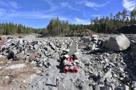 7 maj 2018 - Kabelväg från fundament 7.