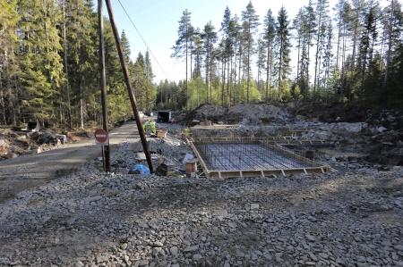 15 maj 2018 - Här byggs transformatorstationen som skall ta emot elproduktionen från vindkraft-verken i Joarknattens vindkraftspark.