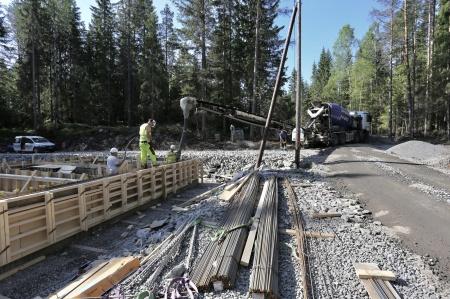 25 maj 2018 - Byggnation av nya transformator-stationen, som skall ta emot elproduktionen från vindkraftverken på Joarknatten.