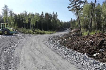 25 maj 2018 - Anläggningsvägen söderut från Kölen Sportcenter.