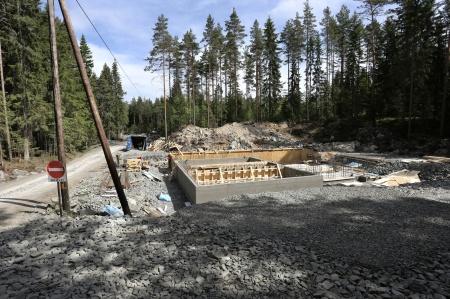 28 maj 2018 - Byggnation av nya transformator-stationen, som skall ta emot elproduktionen från vindkraftverken på Joarknatten.
