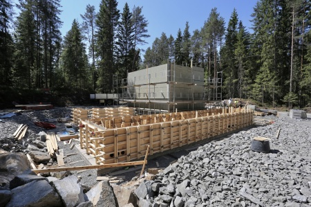 30 maj 2018 - Byggnation av nya transformator-stationen, som skall ta emot elproduktionen från vindkraftverken på Joarknatten.
