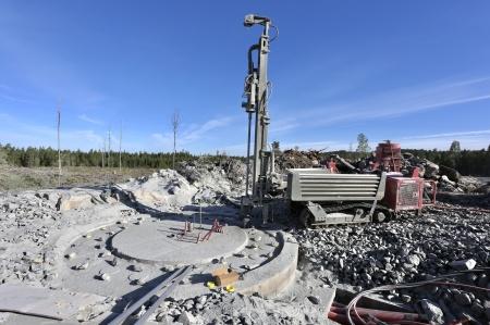 5 juni 2018 - Borrning för spännstag vid fundament 8.