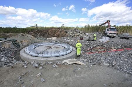 19 juni 2018 - Fundament 8 - Stabiliserande gjutning under stålkonstruktionen.