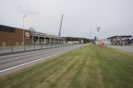 20 juni 2018 - E18 en gata genom Töcksfors.