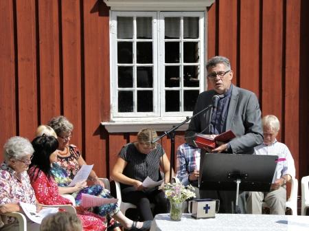 Kyrkoherde Rune Wallmyr predikade.