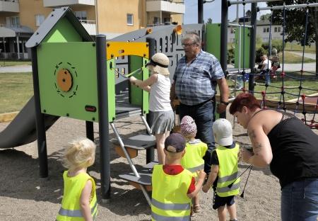 28 juni 2018 - Barn från Förskolan Solstrålen klippte bandet.