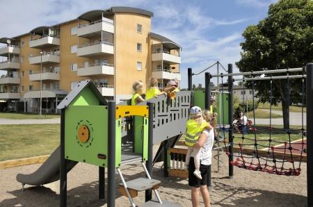 28 juni 2018 - Och så var det dags för barnen att ta över lekplatsen.