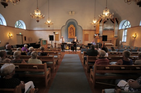 I Östervallskogs kyrka kunde man lyssna till Musik i sommarkväll.