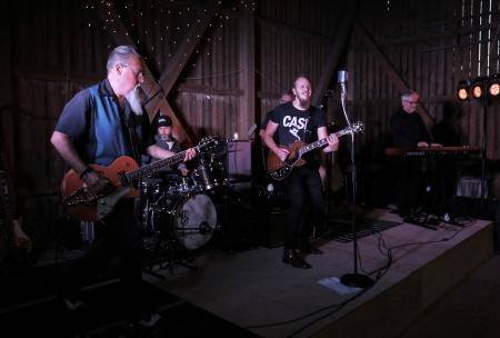 Dans till Andreas Jonsson med Cadillac Pink band i Kulturladan Verket.