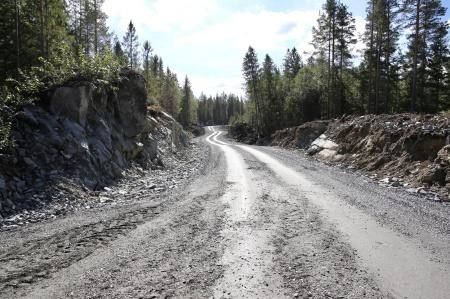 2 september 2018 - Anläggningsvägen söderut från Kölen sportcenter mot Högås vindkraftspark.
