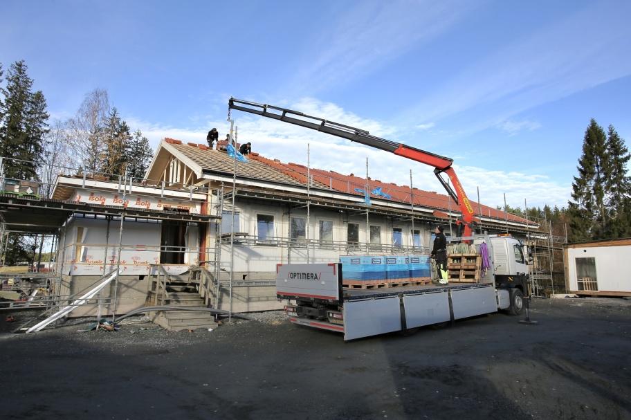 19 oktober 2018 - Arbetet med byggnation av fler uthyrningsrum vid Turistgården går framåt.