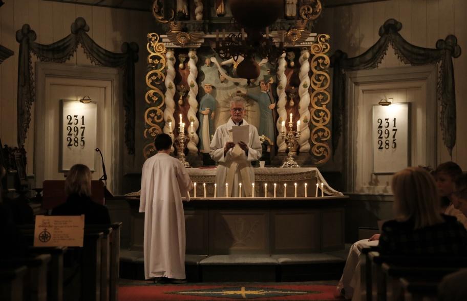 Minnesgudstjänst i Töcksmarks kyrka med ljuständning för de som avlidit under året.