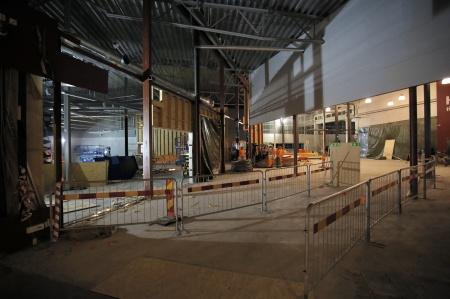 11 januari 2019 - Här river man väggar för att skapa Shoppingcentrets nya entréhall.
