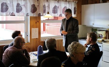 Kjell Ericsson, tidigare kommunalråd i Årjängs kommun, berättade hur man redan 1990 försökte få till en ny tullstation. Under åren har det gjorts upprepade försök, men nu är projektet i hamn och tulltjänstemännen får en ny funktionell arbetsplats.