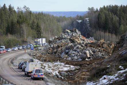 20 februari 2019 - Det var mycket berg som lösgjordes vid femte sprängningen för nya tullstationen.