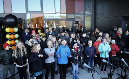 Elever från Töcksfors skola sjöng flera låtar.